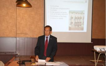 Presentatie over de Oorlogsgravenstichting in Indonesië door dhr. Peter Steenmeijer